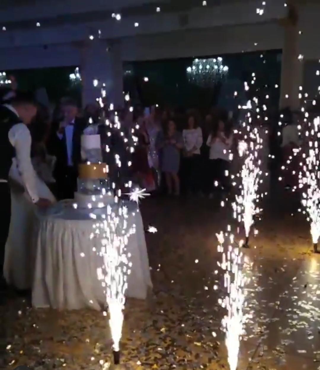 Холодні фонтани на весілля і інші святкові події