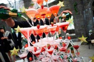 Гірка з шампанського – найкраща прикраса для вашого свята